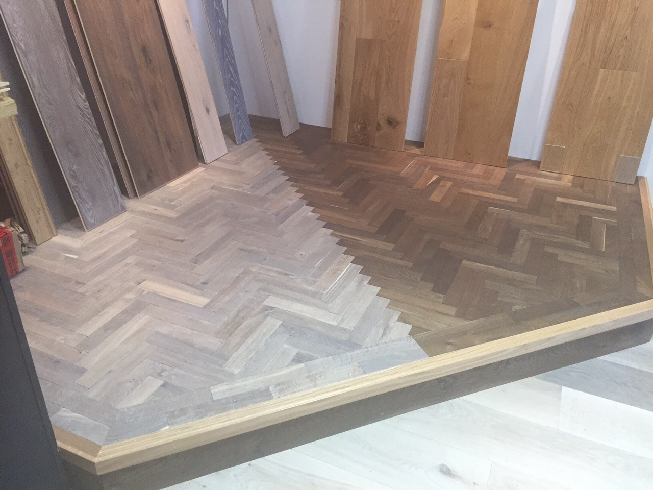 parquet_stained_and_oiled_floor_room_shot