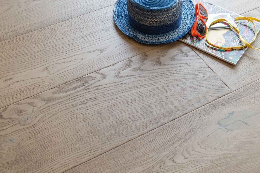 Landscape LS103 Water Meadow Oak 240mm wide plank